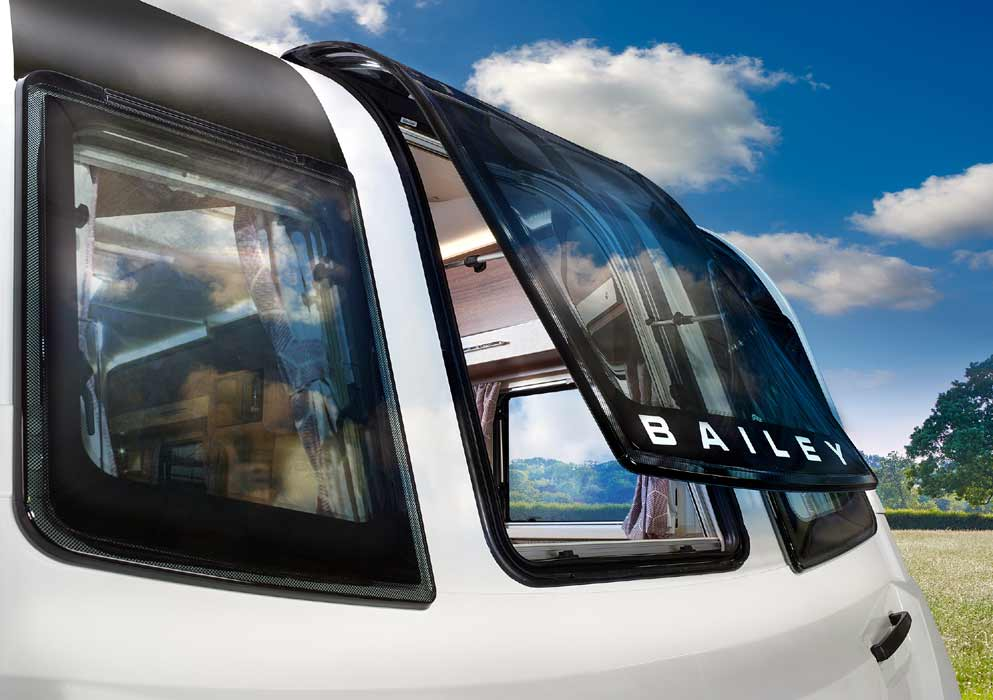 Bailey Pegasus Grande Vertical Skylight Feature