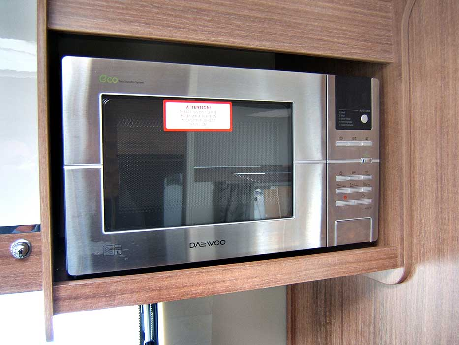 The Daewoo stainless steel microwave gives extra cooking options.